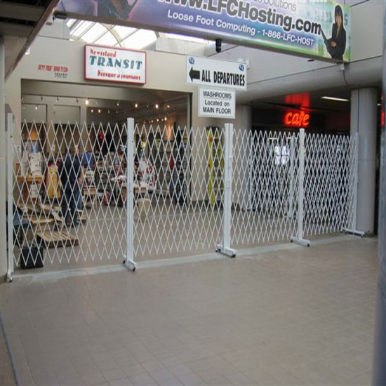 Trackless Retractable Barrier