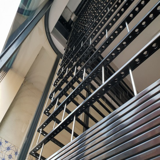 Vertical Stacking Grille - 80% Vision